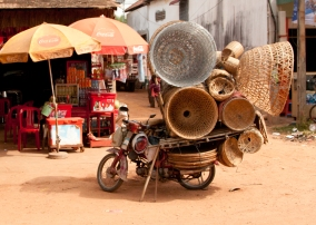 The Khmer people most certainly know how to load a moto...